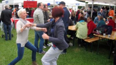 Familienfest mit Tanz aus dem Mai