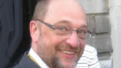 Karlsschrein vom Europäer Martin Schulz besichtigt