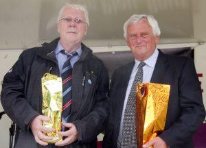 Hartmut Urban und Hermann Otten wurden für ihr Engagement zum Zipflebund geehrt. (v.l.n.r.)